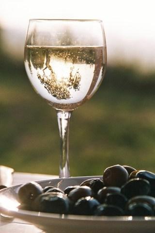 Wine-White-claudiamatarazzo