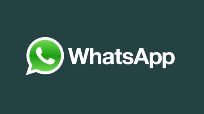 fundo verde com o simbolo e escrito em letras grandes  whatsapp