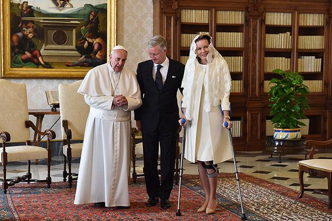 Resultado de imagem para quem pode usar branco perto do papa