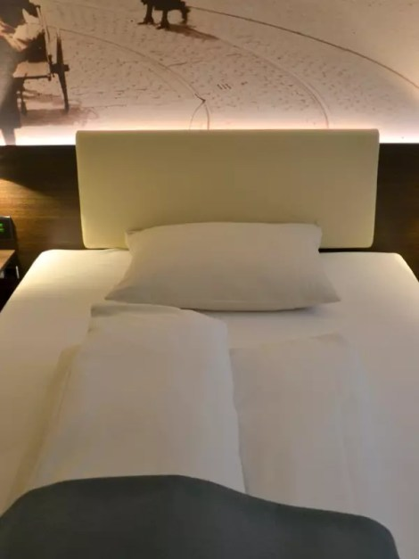 Schlafbereich Derag Livinghotel am viktualienmarkt