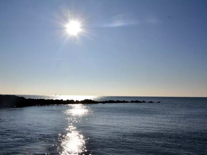 saintes-maries-de-la-mer-strandpromenade