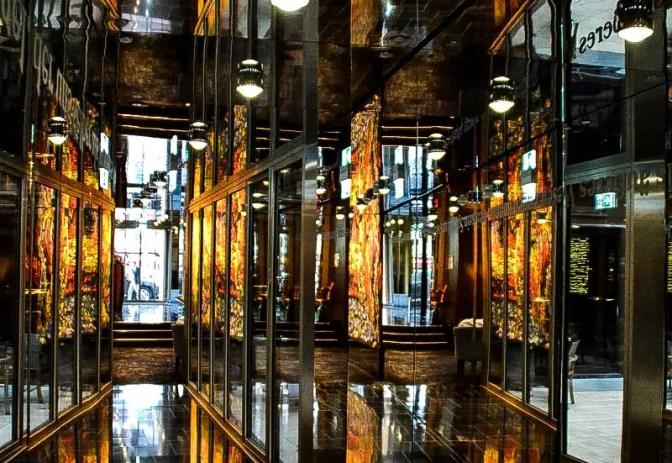 Eingangsbereich Derag Hotel in München