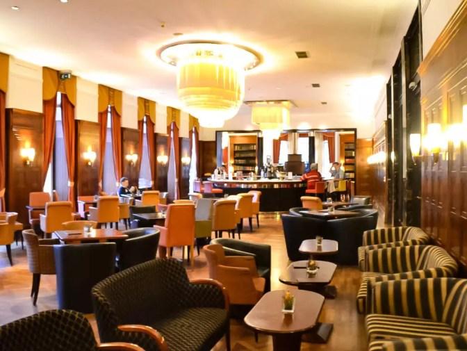 Bar im Hotel Falkensteiner in MArienbad