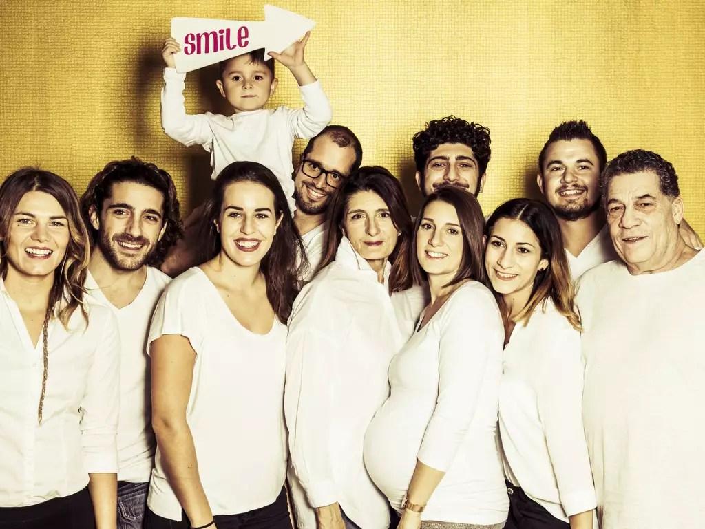 Familienbild mit 11 Personen