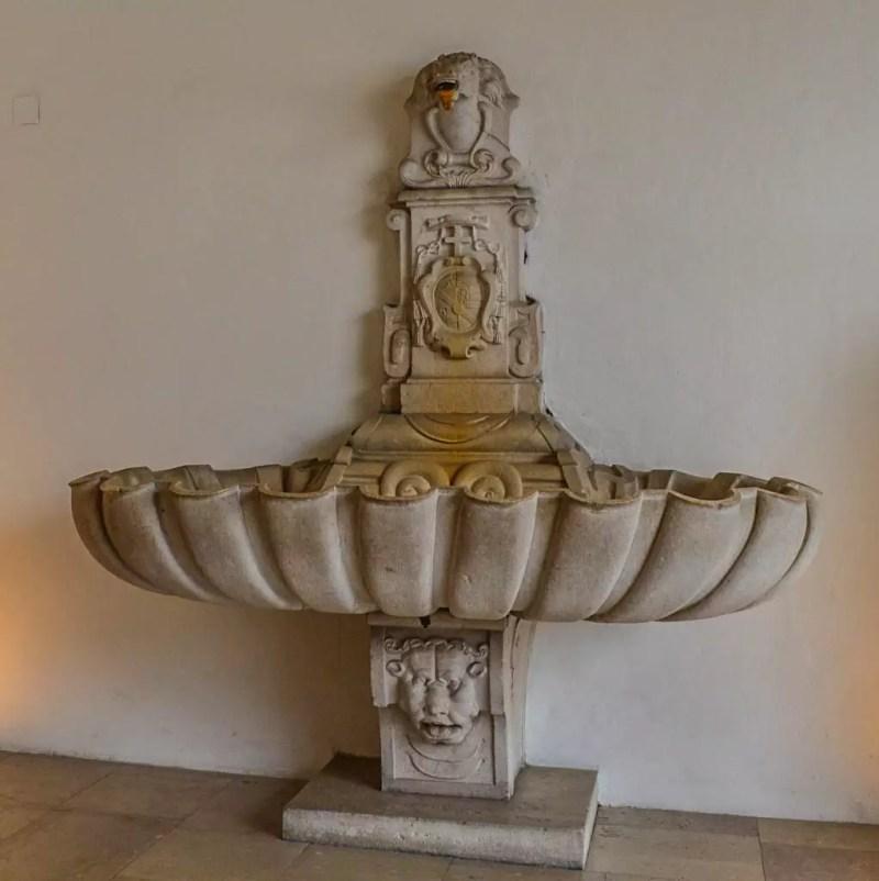 Brunnen im Festspielhaus