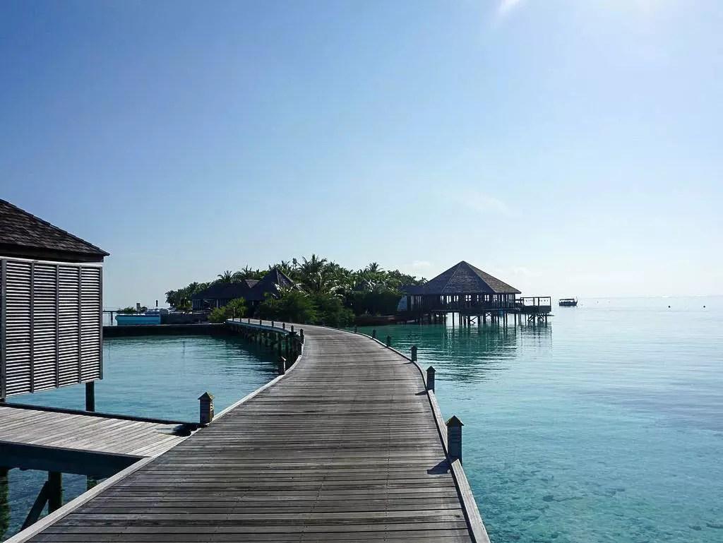 Lily Beach Steg zu den Water Villas