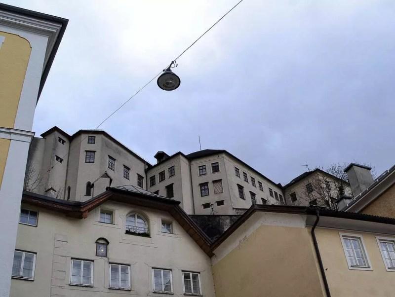 Stift Nonnberg vom Kajetanerplatz aus