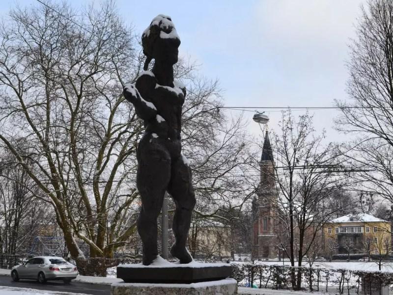 Mozartstatue von Lüpertz
