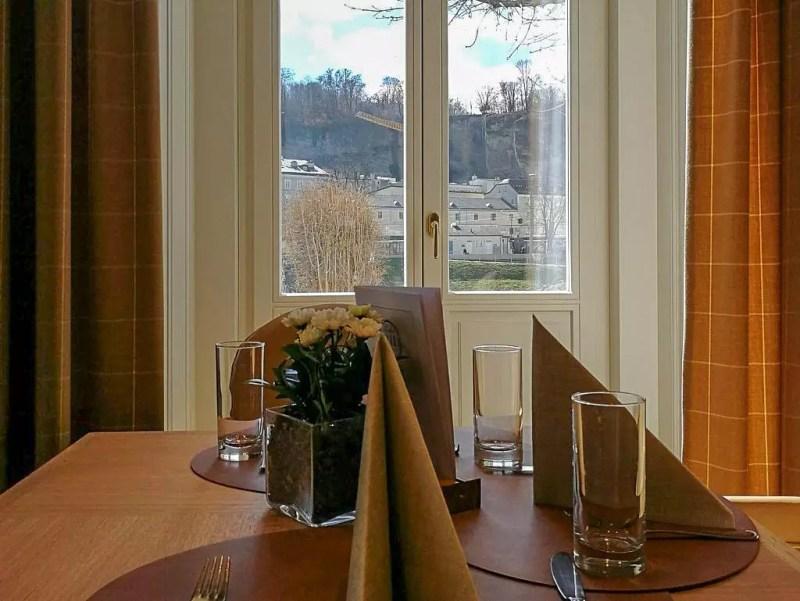 Fenster im Sacher Grill Salzburg