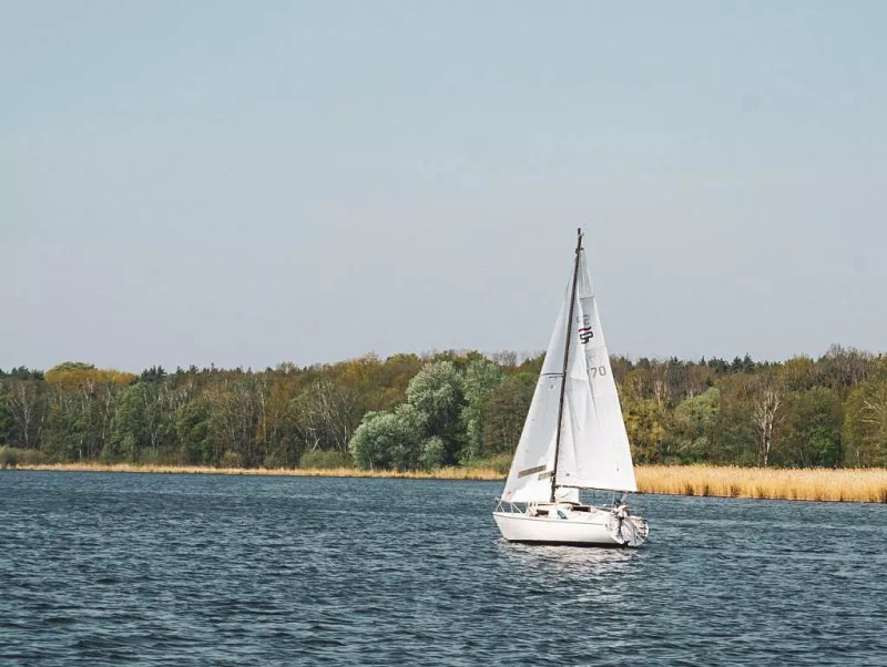 Segelschiff am Jungfernsee