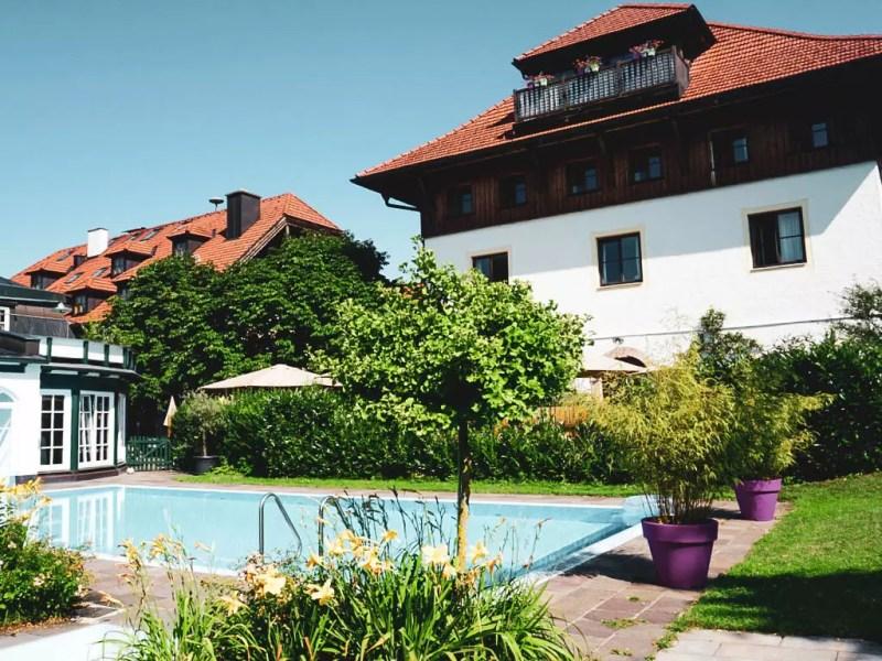 Außenpool Romantikhotel Gmachl Elixhausen
