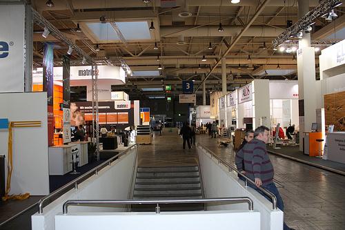 Leere Hallen mit breiten Gängen auf der CeBIT 2010 in Hannover. (Foto: Thorsten Claus)
