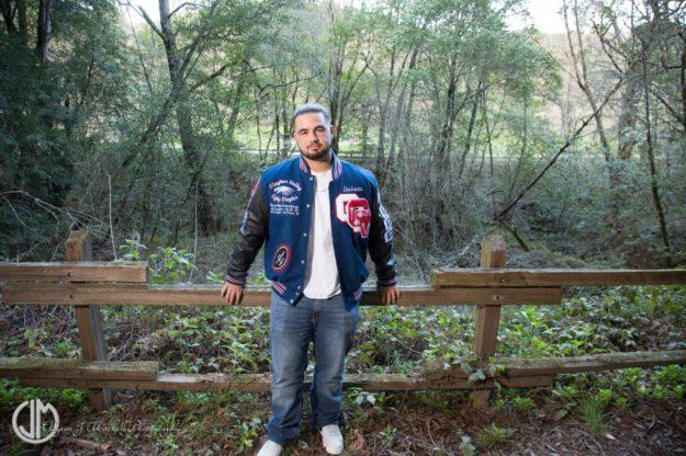 Outdoor_Senior_Portraits_Redwood_Regional_Park