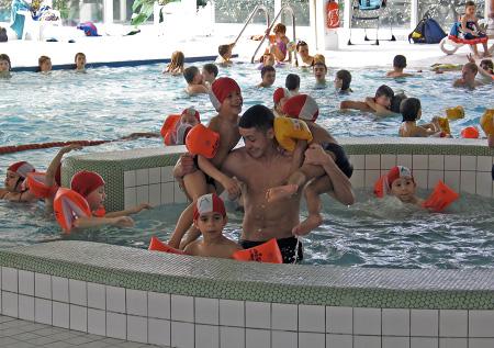 Centre de loisirs sortie piscine et fin de la premi re for Piscine sarreguemines