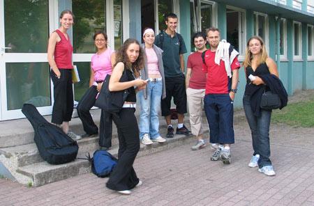 Une partie de l'équipe d'encadrement de la session de Juillet du CLSH de l'ACS