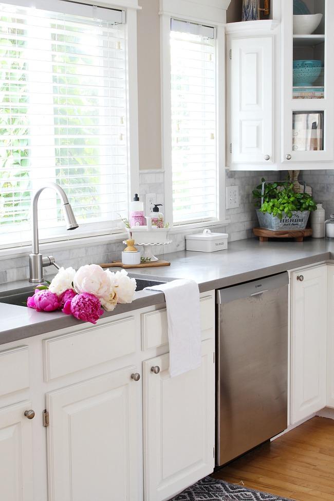 Summer Kitchen Designs
