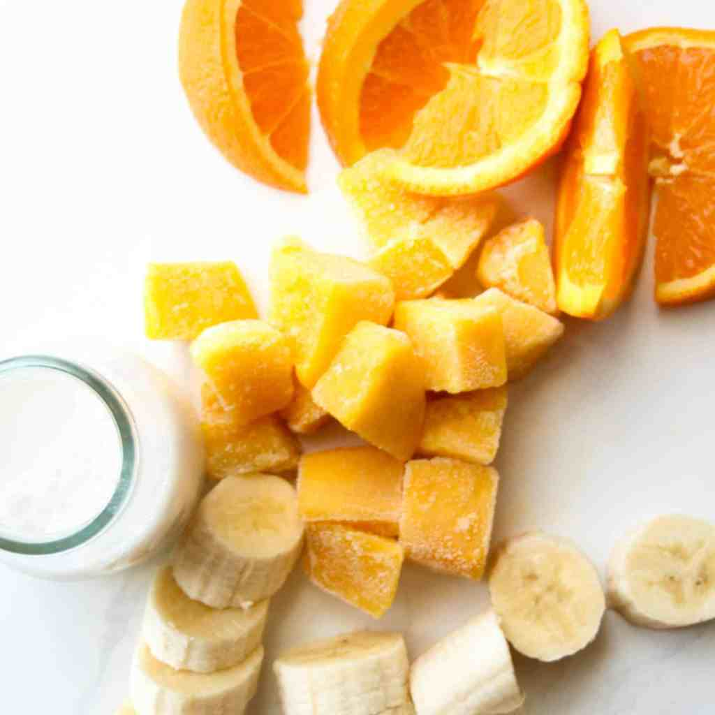 clean eating mango and banana Tropical Smoothie #cleaneating #healthysmoothie