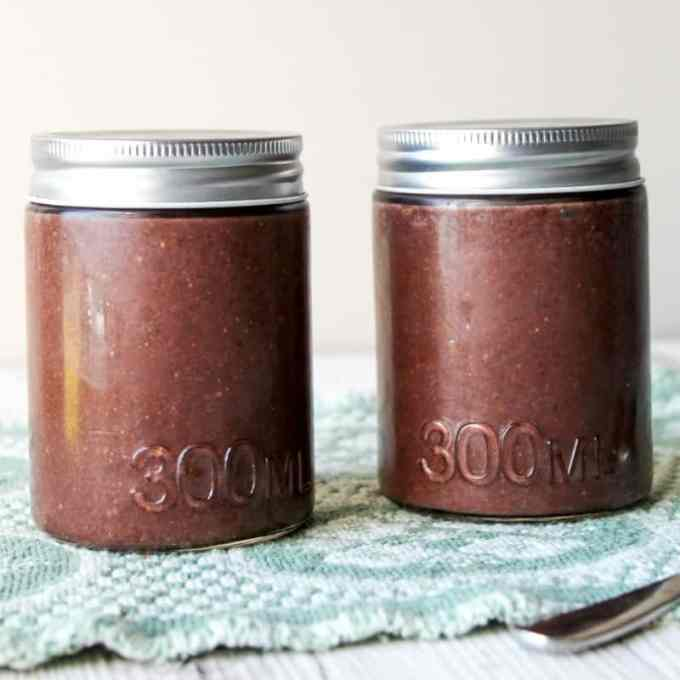 clean eating chocolate chia seed pudding