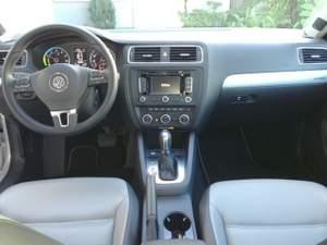 VW-Jetta-Hybrid-Interior