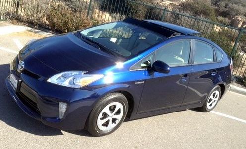 Comparison Road Test: 2014 Toyota Prius U0026 Prius Plug In
