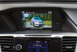 2015,Honda,Accord Hybrid,mpg,technology