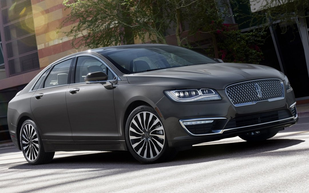 2017 Lincoln MKZ Hybrid Breaks Cover with New Face