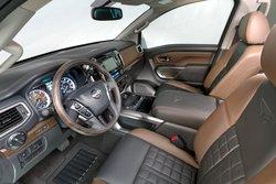 2016 Nissan,Titan XD,premium, interior
