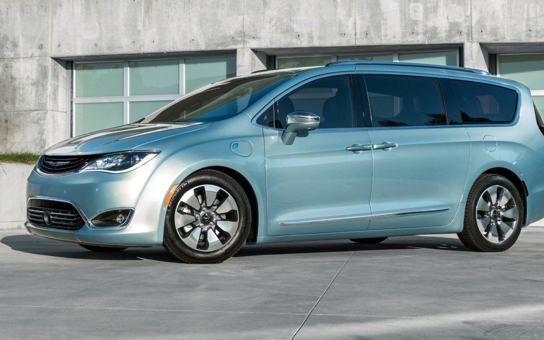 News: 2017 Chrysler Pacifica Plug-in Minivan