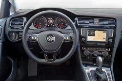 2016 Volkswagen Golf TSI, interior, infotainment