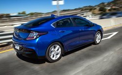 2017 Chevrolet Volt, plug-in hybrid,mpg