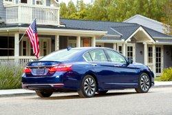 2017 Honda Accord Hybrid,mpg,fuel economy,handling