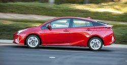 2016_toyota_prius_,handling, road test