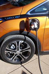 2017 Chevrolet Bolt LT, charging