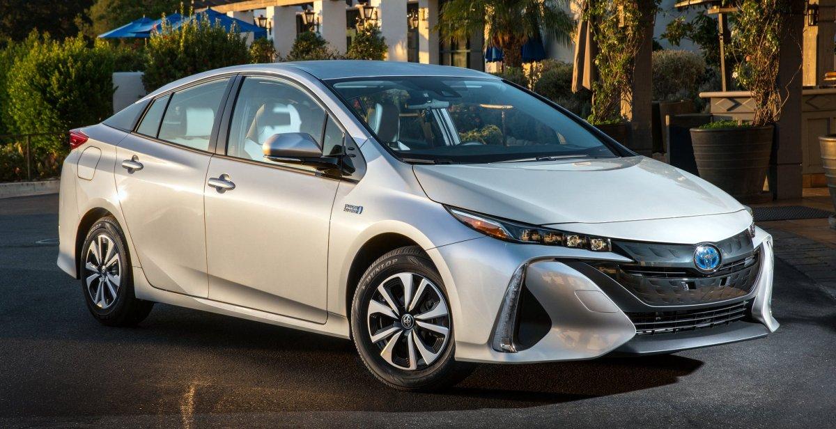 2017_Toyota_Prius_Prime