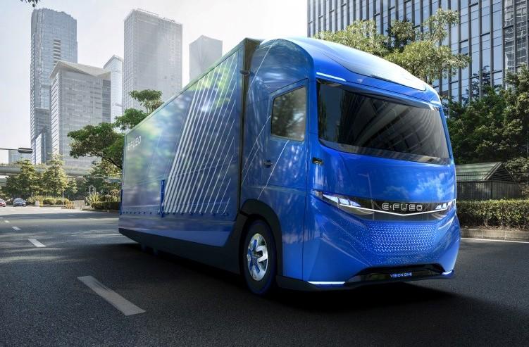 News: Daimler Shows Off Class 8 Electric Truck