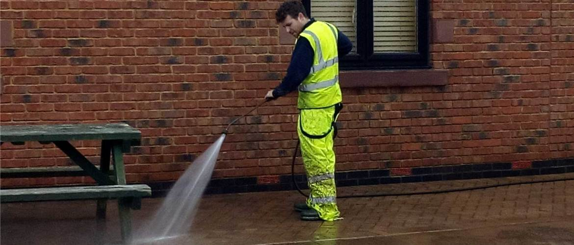 IMAGE OF industrial pressure washing in Cheshire www.cleaning-service.uk.com