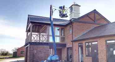 image of Commercial pressure washing, Cheshire www.cleaning-service.uk.com