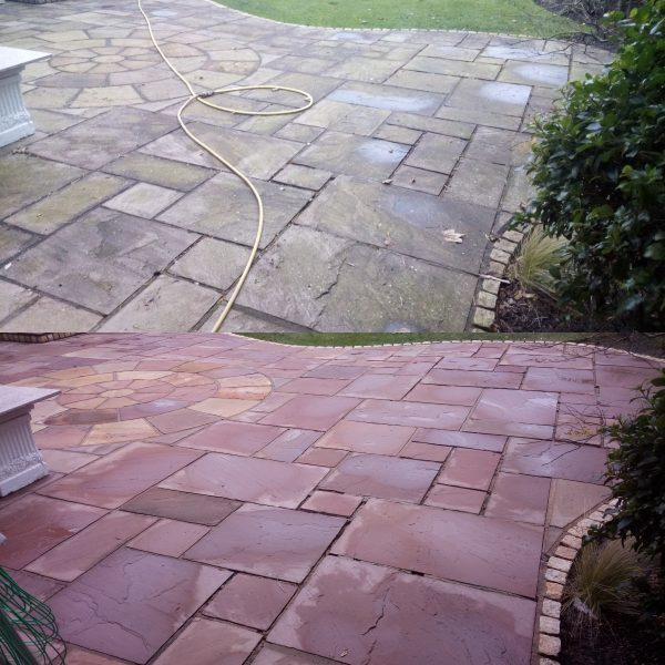 image of Professional driveway cleaning in Wigan www.cleaning-service.uk.com