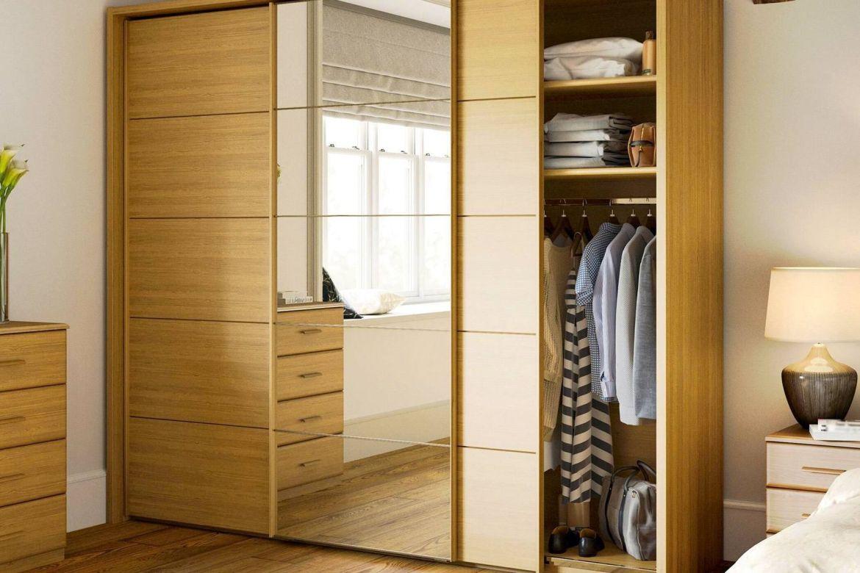Cách sắp xếp tủ quần áo: Đồ nào nên treo, đồ nào nên gấp gọn?