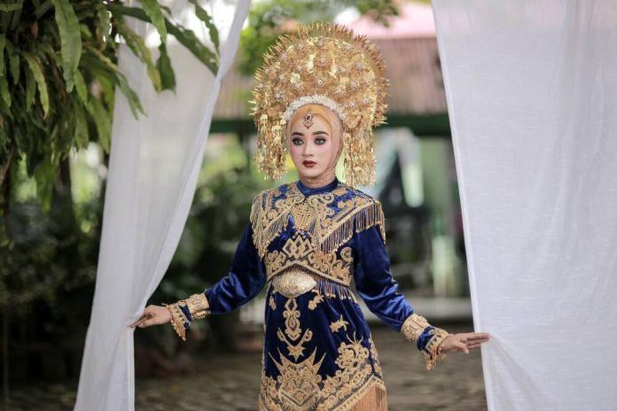 Yuk Mengenal Pakaian Adat Sumatera Barat