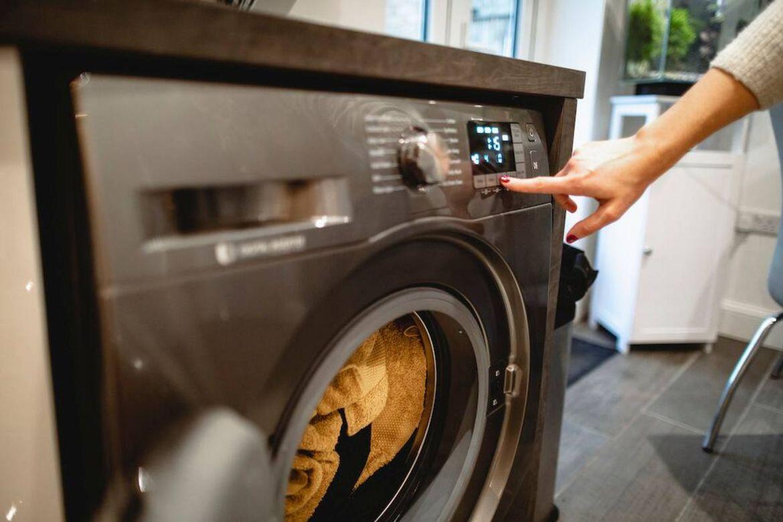 giặt đồ vào sáng sớm