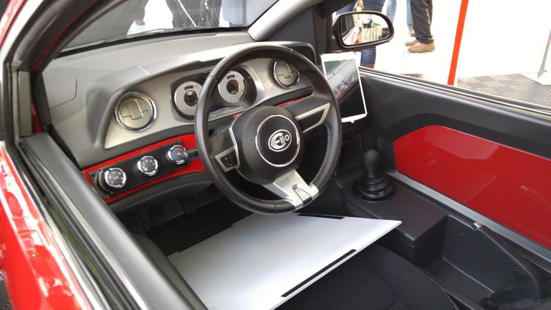 Elio Motors Brings Refined 84 Mpg P5 Trike To La Cleanmpg. Elio Motors  Interior Wwwgalleryhipcom