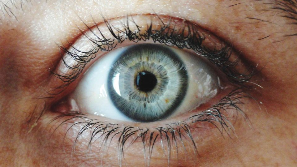early warning signs of blindness