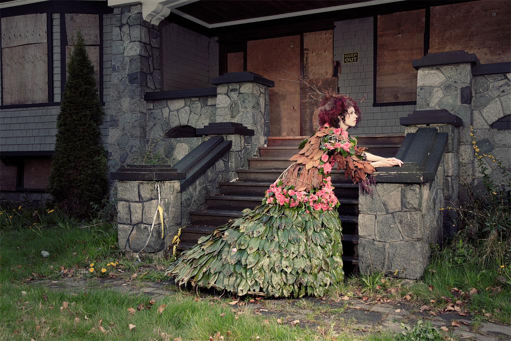 jurk van bladeren in diverse kleuren