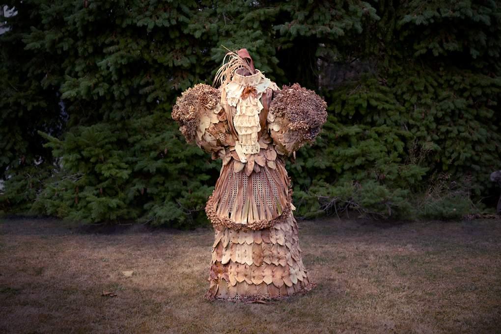 victoriaanse jurk na een tijd buiten staan