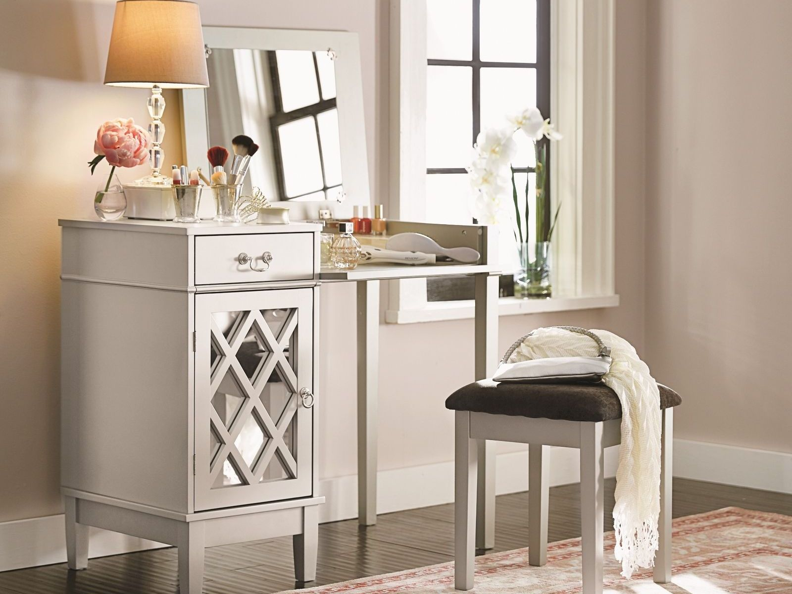 Amazing 3Pc Silver Vanity Desk Table Lattice Mirror Black Stool Set Gmtry Best Dining Table And Chair Ideas Images Gmtryco