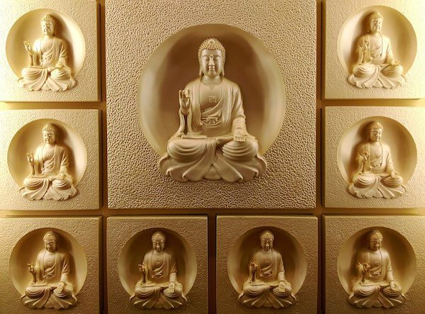 golden buddhas images