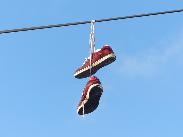 http://pixabay.com/en/shoes-depend-leash-sky-beautiful-93732/