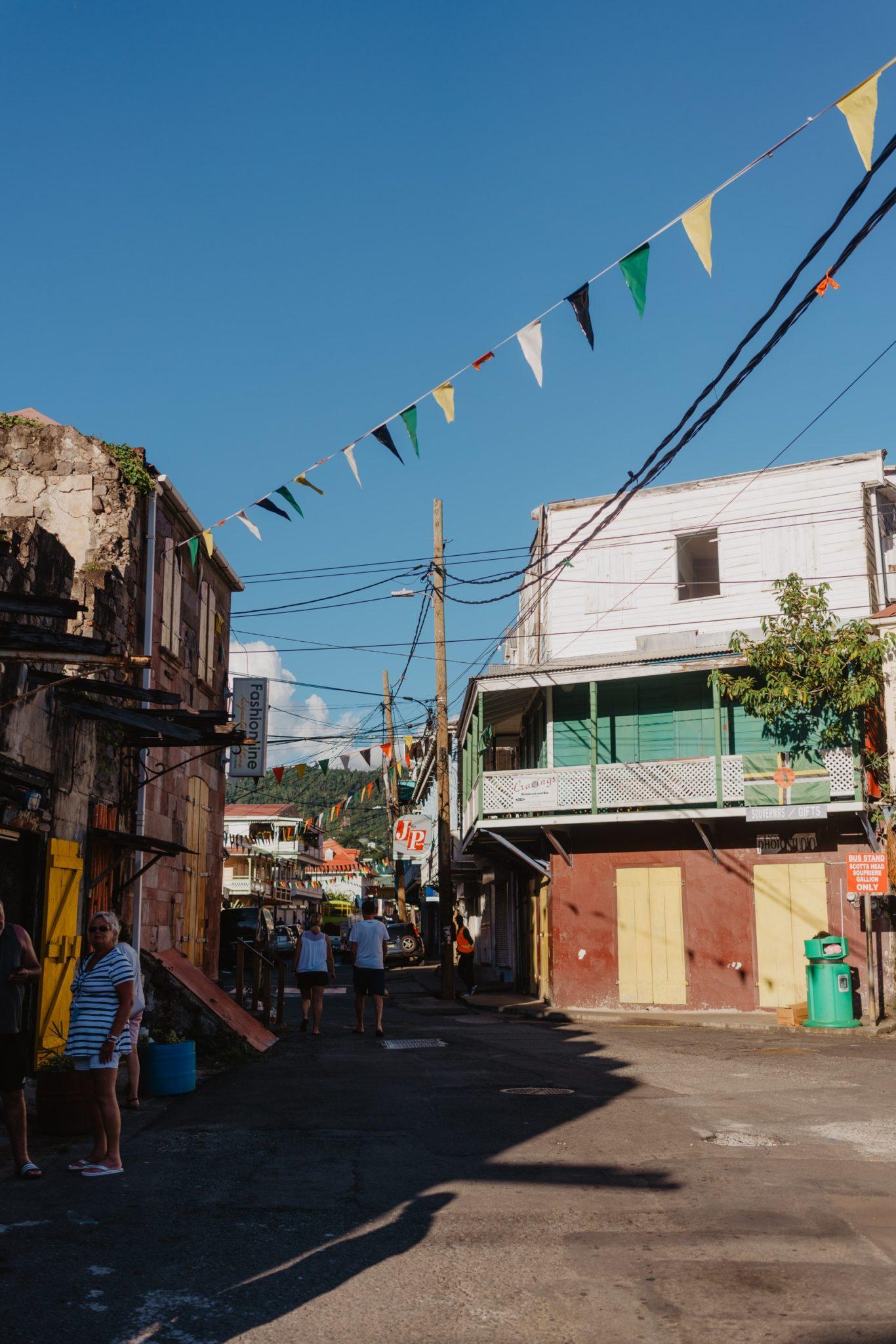 Devant le Ruins Rock Café, Roseau, Dominique