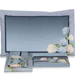 un lenzuolo ortensie anversa con bellissima stampa floreale